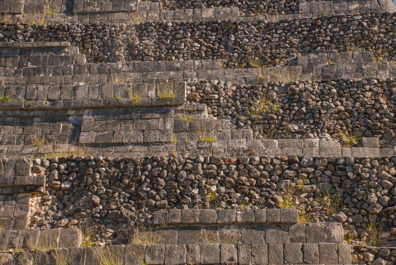 Die Beschaffenheit des Steins Anicent-Maya-Mayapyramide El Castillo Kukulkan in Chichen-Itza, Mexiko stockfotos