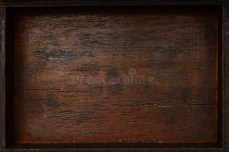Die Beschaffenheit ist schönes natürlich gealtertes Holz Geometrische Verzierung auf einem alten Papier Hölzerner leerer Kasten,  lizenzfreie stockfotografie