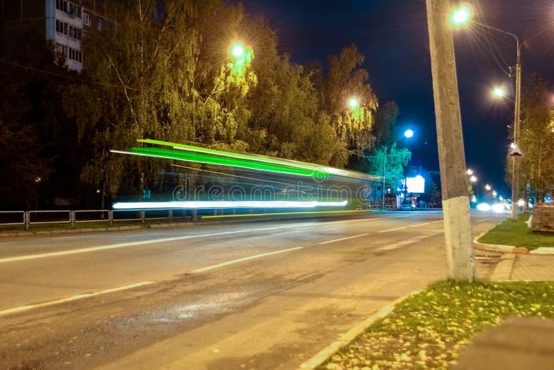 Die Bewegung des Busses stockfoto