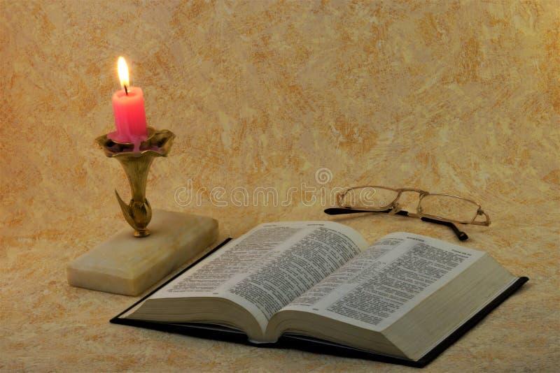 Die Bibel ist eine Sammlung heilige alte Texte von Christen stockbild