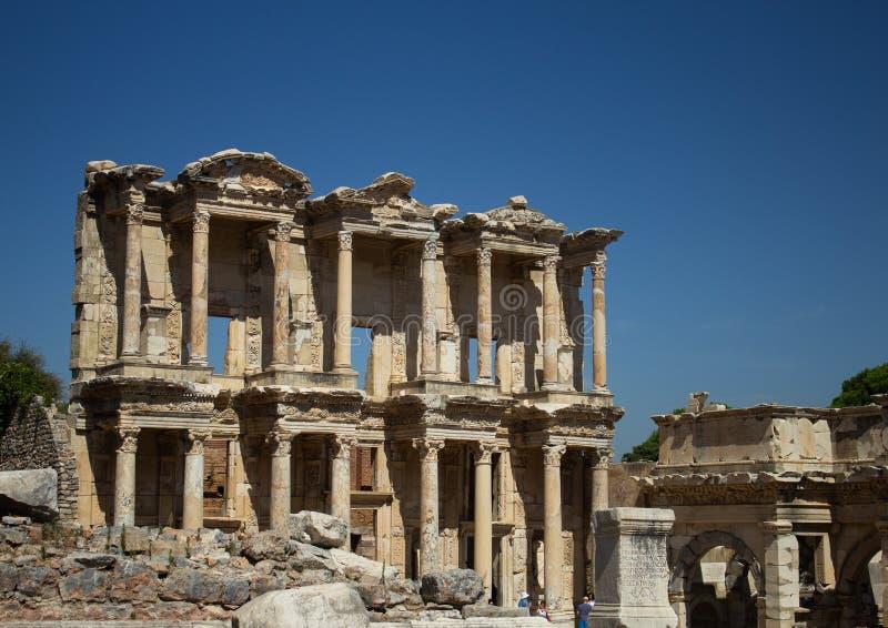 Die Bibliothek von Celsus in Ephesus - der Türkei im August 2018 lizenzfreie stockfotografie