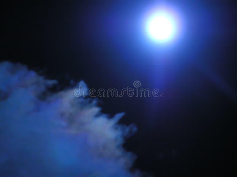 Die blaue Nacht lizenzfreie stockfotografie