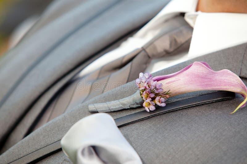 Die Blumen des Bräutigams lizenzfreie stockbilder