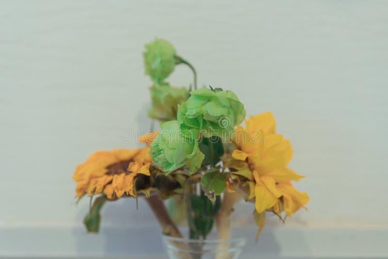 Die Blumen im Vase lizenzfreie stockfotos