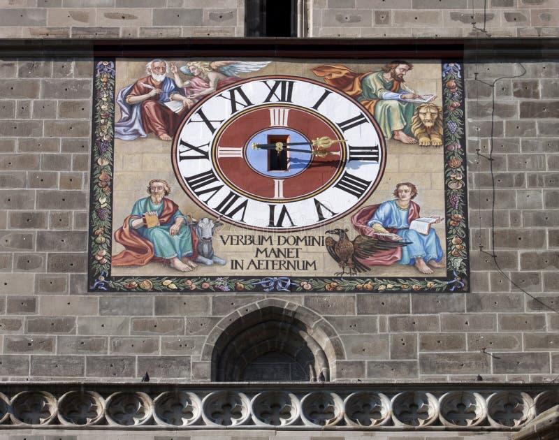 Die Borduhr der schwarzen Kirche in Brasov lizenzfreie stockfotografie