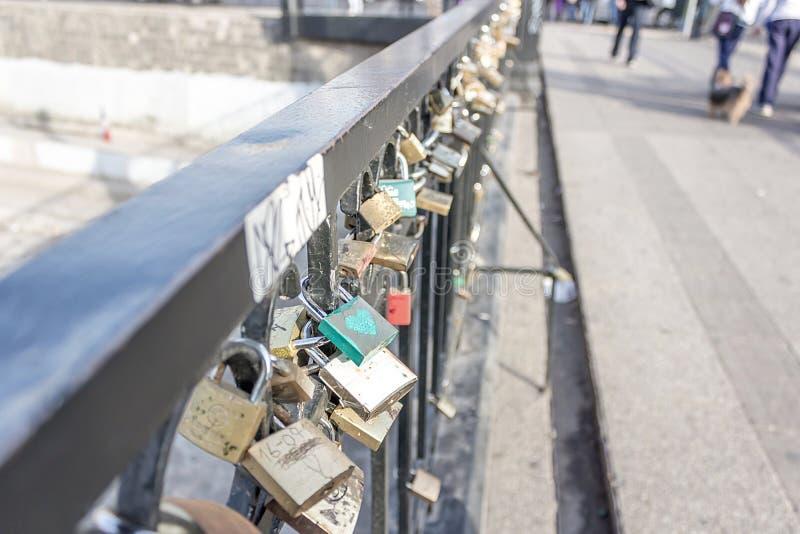 Die Brücke des Liebhabers in Santiago lizenzfreie stockfotos