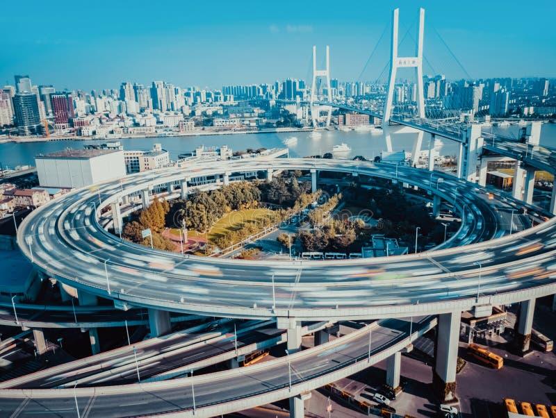 Die Brücke SHANGHAIS NANPU lizenzfreies stockfoto