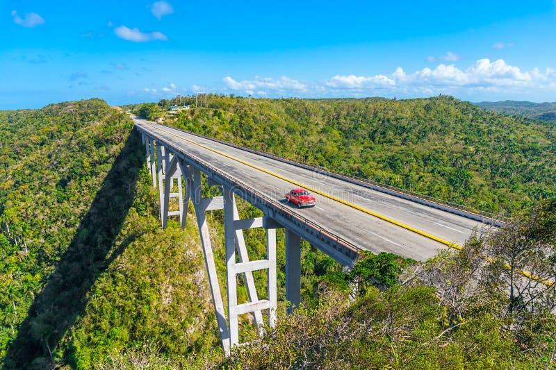 Die Brücke von Bacunayagua stockfotografie