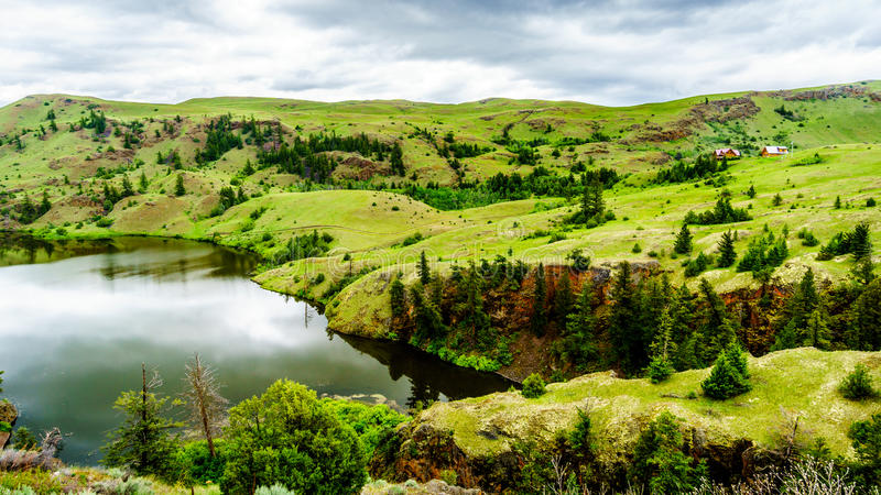 Die breiten offenen Wiesen und die Rolling Hills Nicola Valleys stockbilder