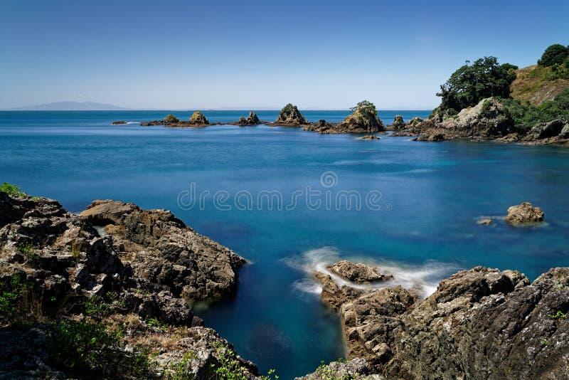 Die Bucht des Fischers, offenes Naturreservat Insel Tiritiri Matangi, Neuseeland lizenzfreie stockfotos