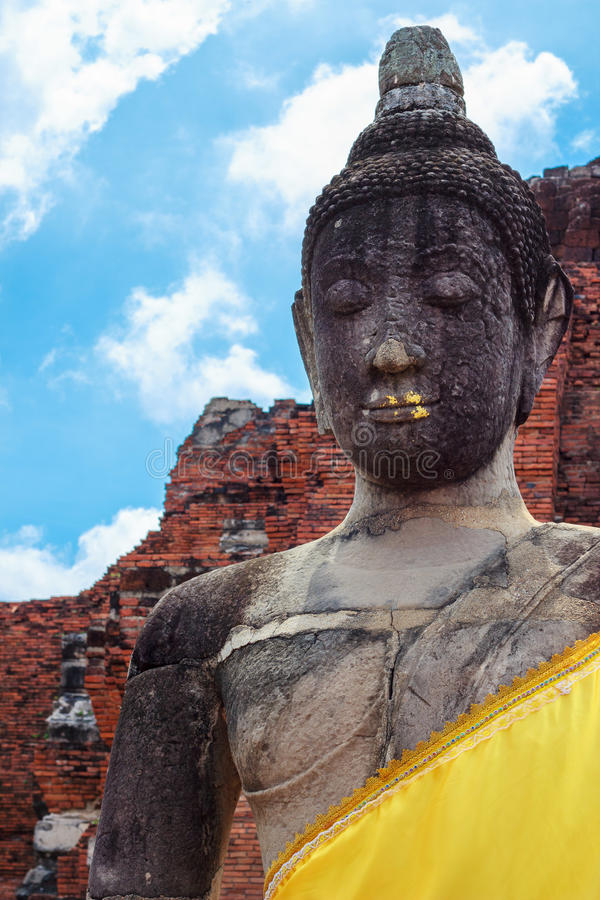 Die Buddha-Statue in Ayutthaya lizenzfreies stockbild