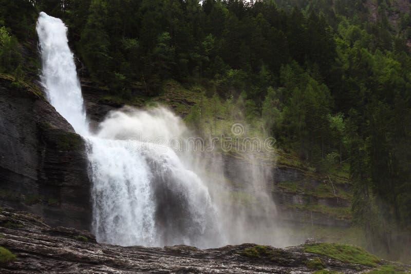 Die Cascade du Rouget in den Alpen, Frankreich lizenzfreies stockfoto