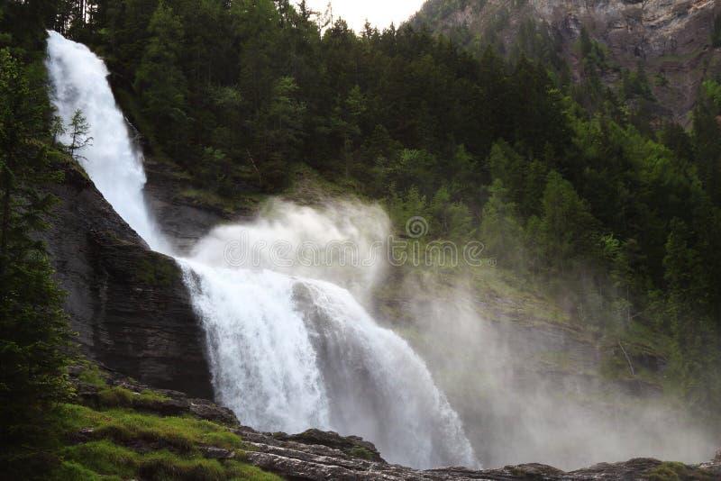 Die Cascade du Rouget, die französischen Alpen stockfotografie
