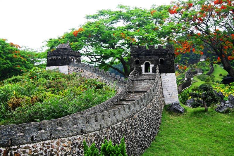 Die Chinesische Mauer im herrlichen chinesischen Kulturfreizeitpark lizenzfreie stockfotografie