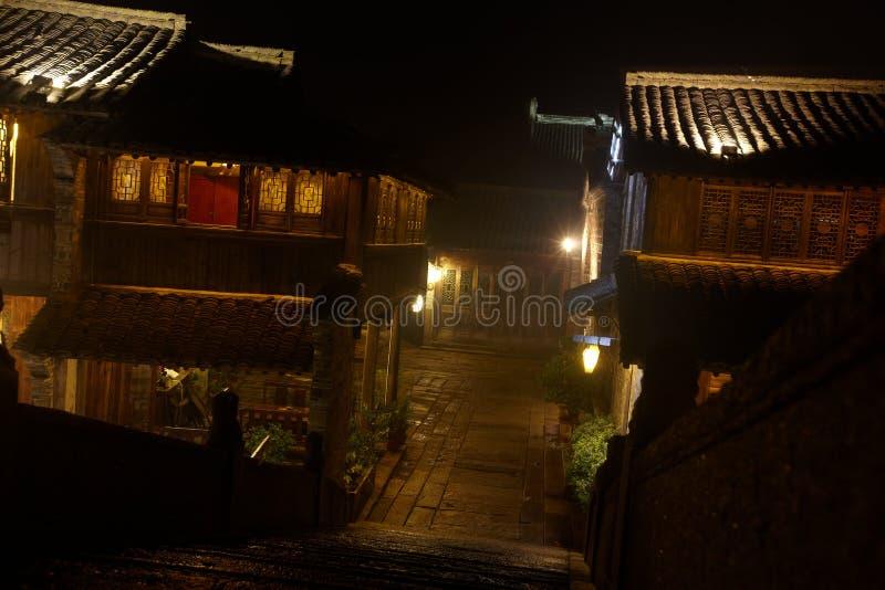 Die chinesischen wässrigen Stadtgebäude lizenzfreie stockfotos
