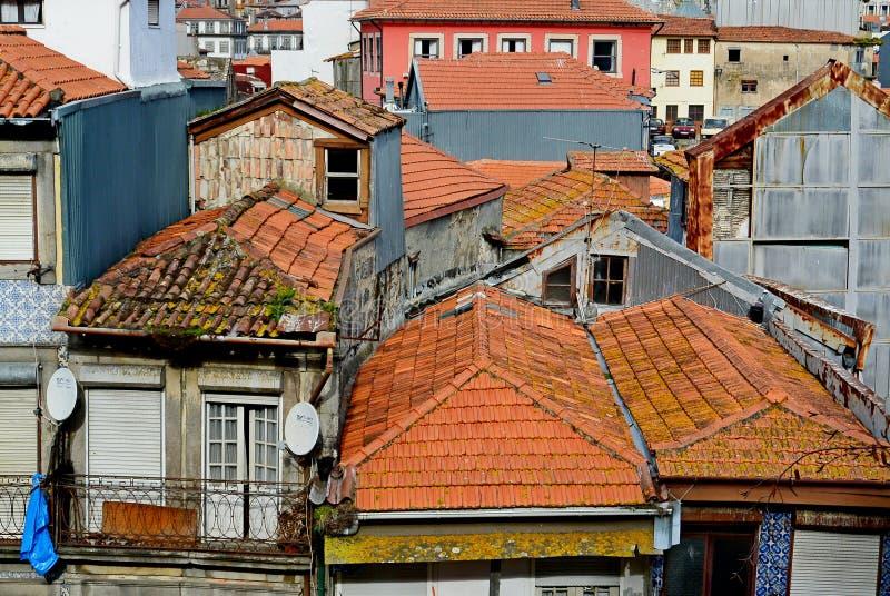 Die Dächer der alten Stadt Porto, Portugal lizenzfreie stockfotos
