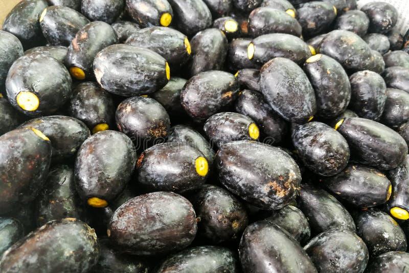 Die Dabai-Frucht, bekannt als Sibu olivgrün, einheimisch in Sarawak stockfotografie