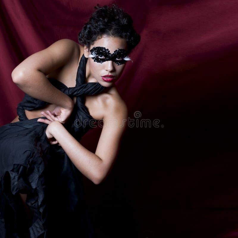 Die Dame In Der Schwarzen Edelsteinschablone Lizenzfreies Stockbild