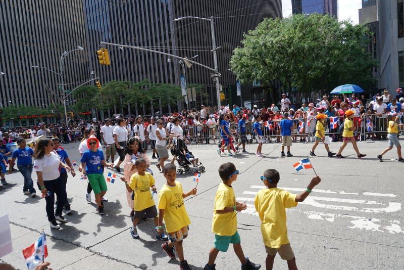 Die dominikanische Parade 35 mit 2015 NYC Tages lizenzfreies stockfoto