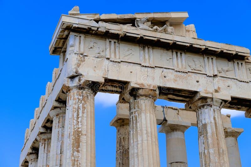 Die Ecke des alten Parthenons lizenzfreie stockbilder