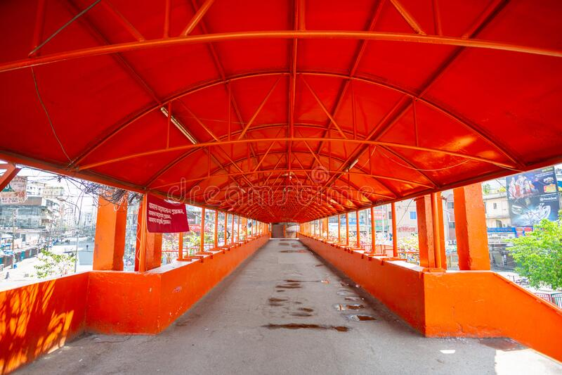 Die einst überfüllte Newmarket Foot Over Bridge ist jetzt leer in Dhaka, Bangladesh lizenzfreie stockbilder