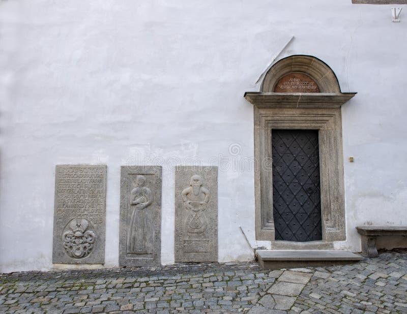 Die Einstiegstür zum Haus des Geistlichen, Cesky Krumlov, Tschechische Republik stockfoto