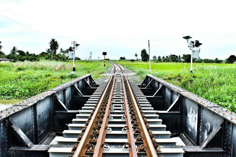 Die Eisenbahnlinie lizenzfreie stockfotografie