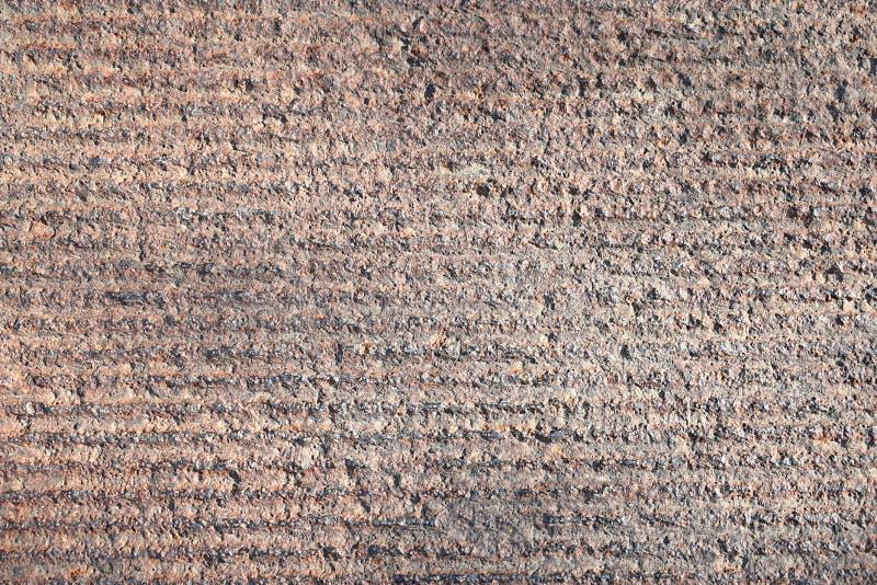 Die Eisenplatte wird durch horizontale Linien gefugt stockfotografie