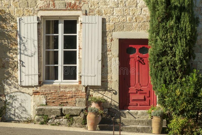 Die engen Gassen des Reisezieles Penne d'Agenais, Lot et Garonne, Frankreich lizenzfreies stockbild