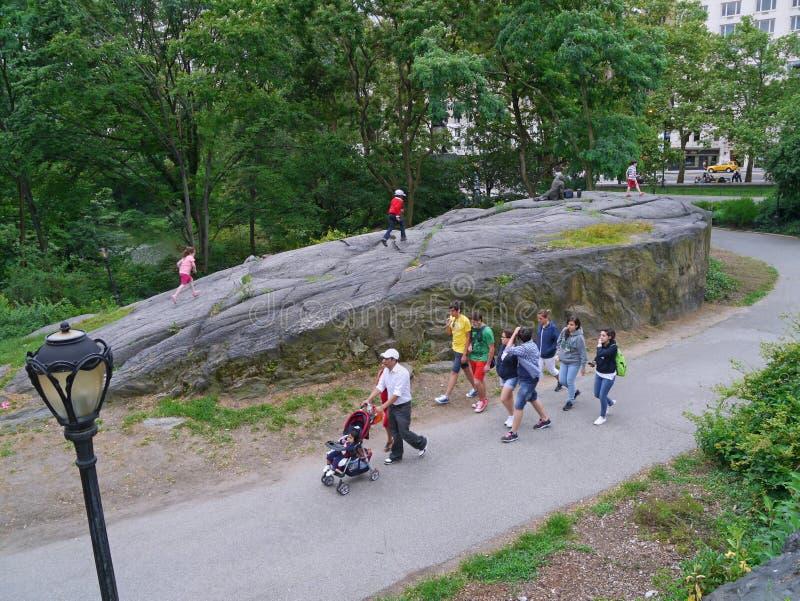 Die enormen Flusssteine im Central Park stockfoto