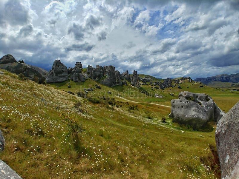 Die erstaunliche Ansicht vom Schloss-Hügel, Arthurs Durchlauf, Südinsel, Neuseeland lizenzfreie stockfotos
