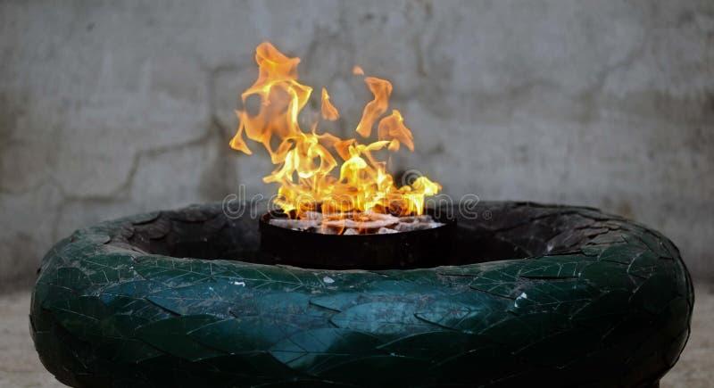 Die ewige Flamme lizenzfreies stockfoto