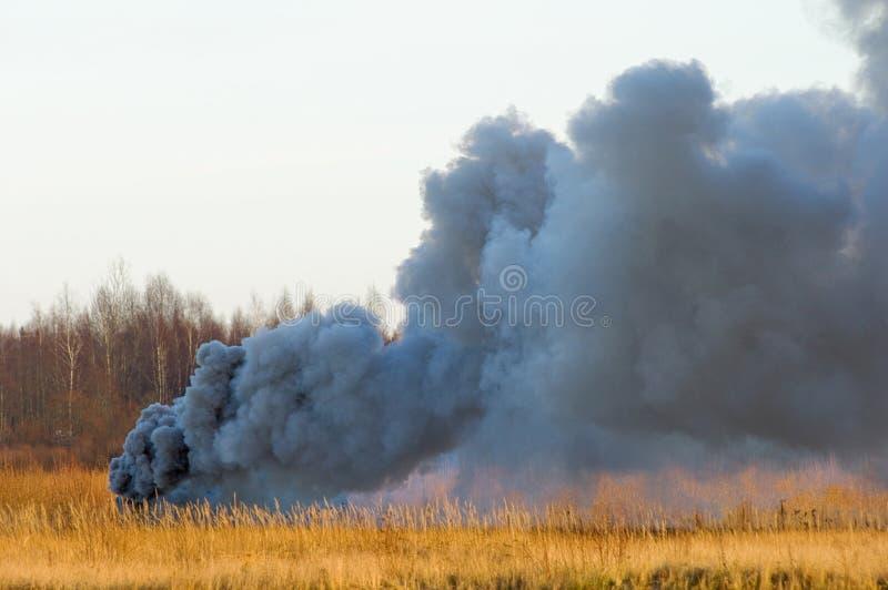 Die Explosion von Auto 2. lizenzfreie stockfotografie