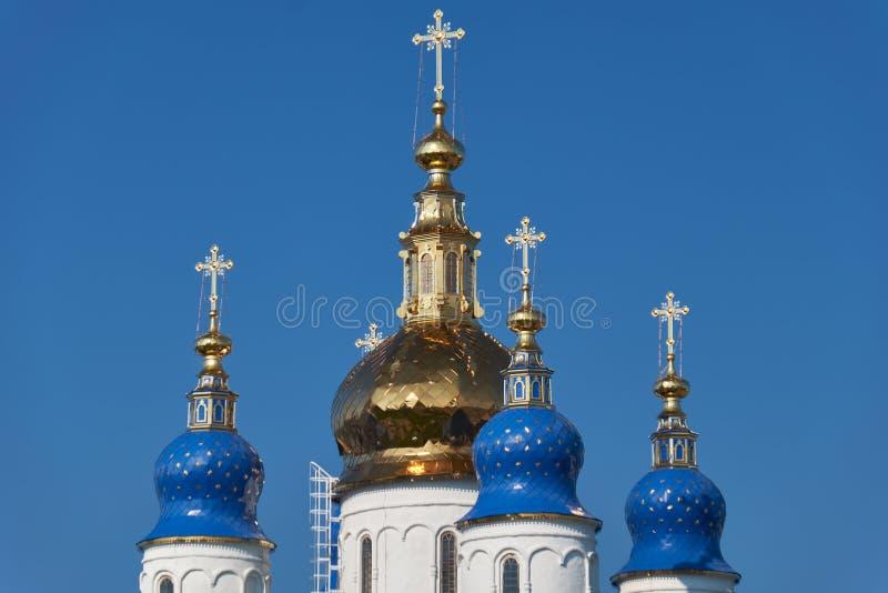 Die Fünfhauben der St.-Sophia-Annahme-Kathedrale Tobolsk Kremlin Tobolsk Russland lizenzfreies stockfoto