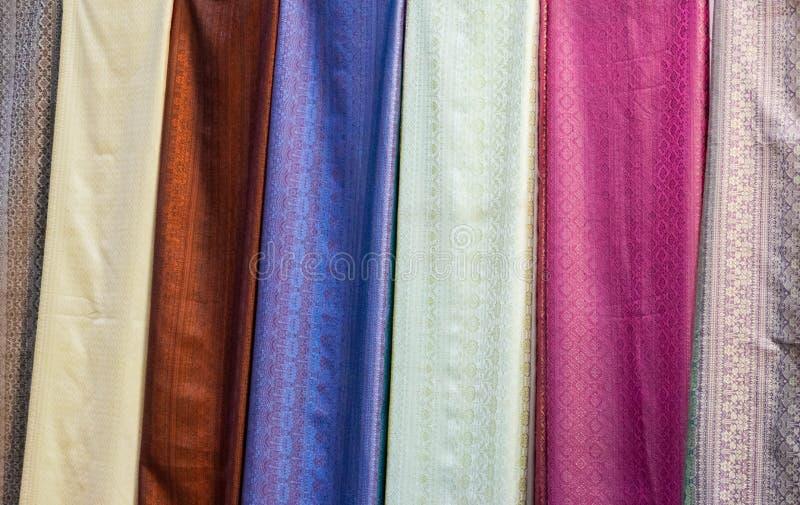 Die Farbe der thailändischen Seide lizenzfreie stockfotografie