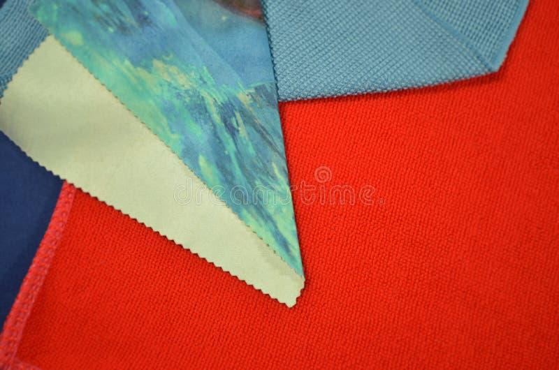 Die Farbe und das poled Muster von Kleidung lizenzfreies stockfoto