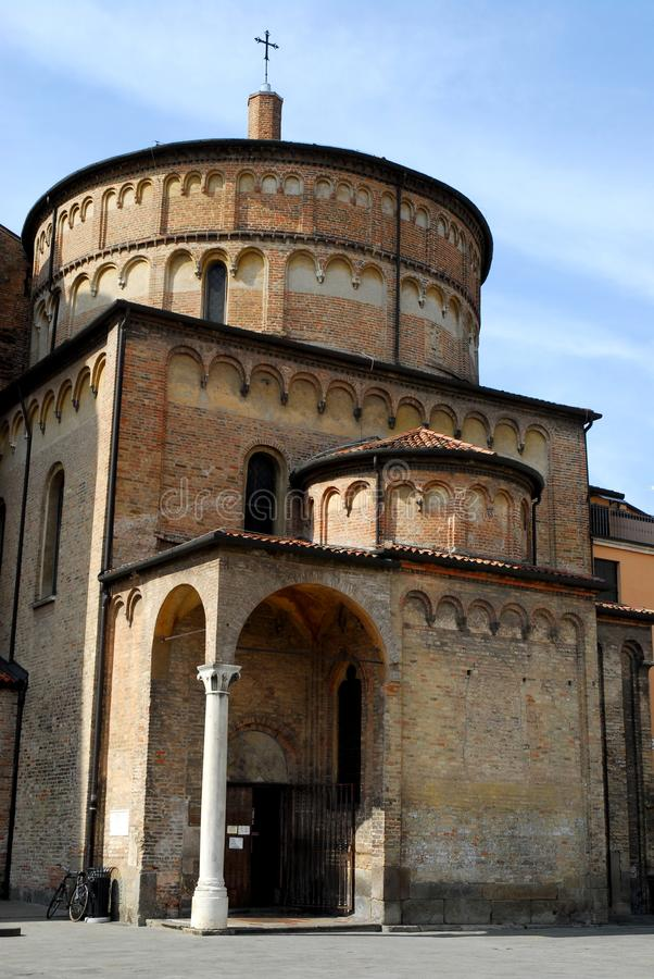 Die Fassade des Presbyteriums der Kathedrale in Padua im Venetien (Italien) lizenzfreie stockbilder