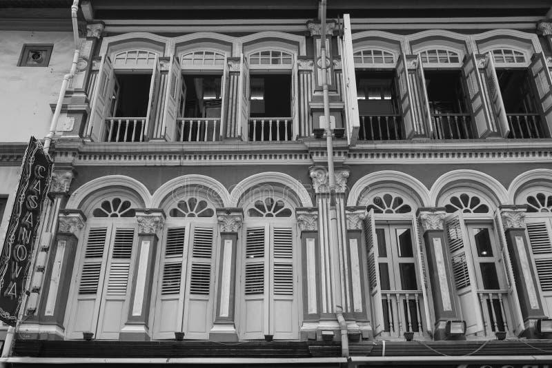 Die Fassade von Altbauten in Chinatown, Singapur lizenzfreie stockfotografie