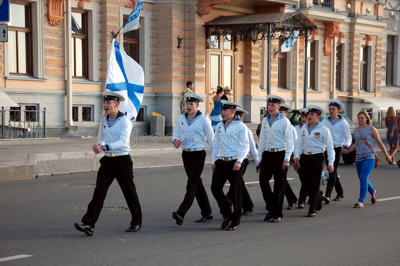 Die Feier des Marine-Tages in St Petersburg lizenzfreie stockfotos