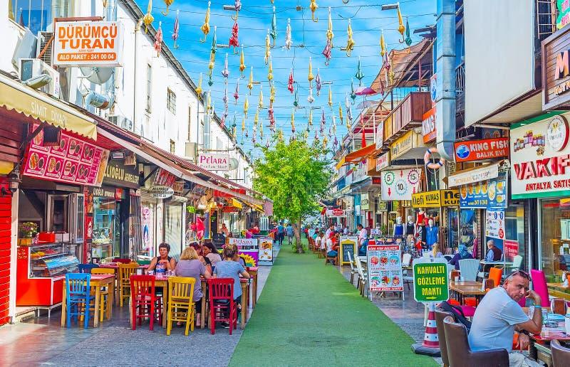 Die Feinschmecker ` Straße in Antalya stockbild