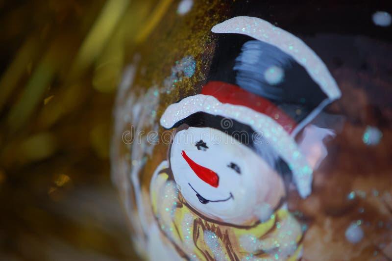 Die festliche Glaskugel des neuen Jahres mit dem Bild stockfotografie