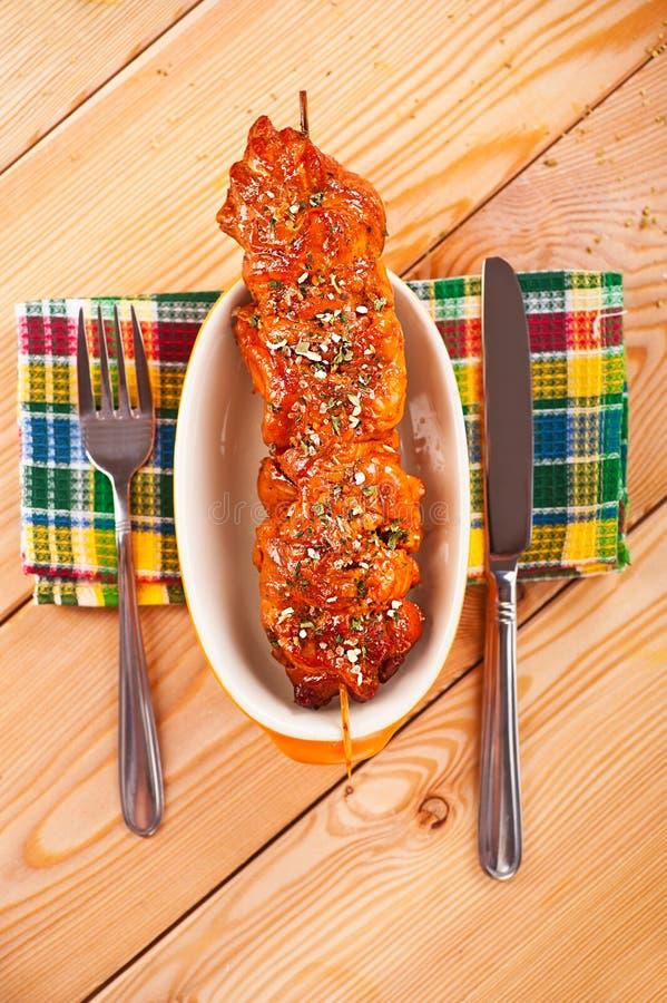 Die Fleisch kebab Aufsteckspindel lizenzfreie stockfotografie
