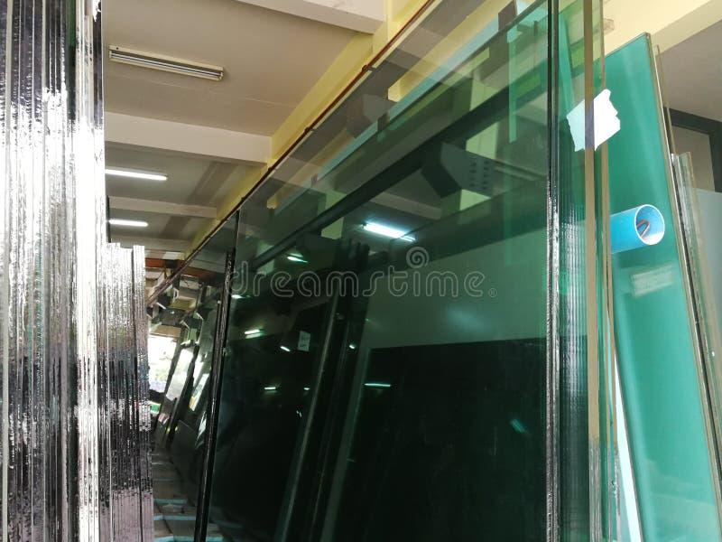 Die Floatglas-Produktionsanlage lizenzfreies stockfoto