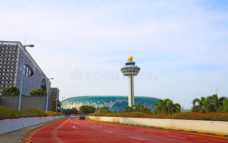 Die Flughafenikone Singapurs Changi und das neueste bulind Juwel stockfotografie