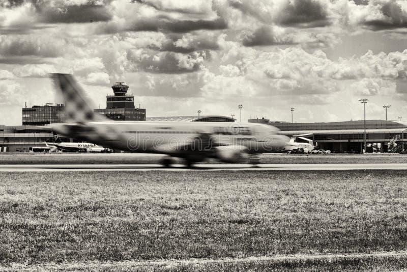 Die Flugzeugbremsen lizenzfreie stockfotografie