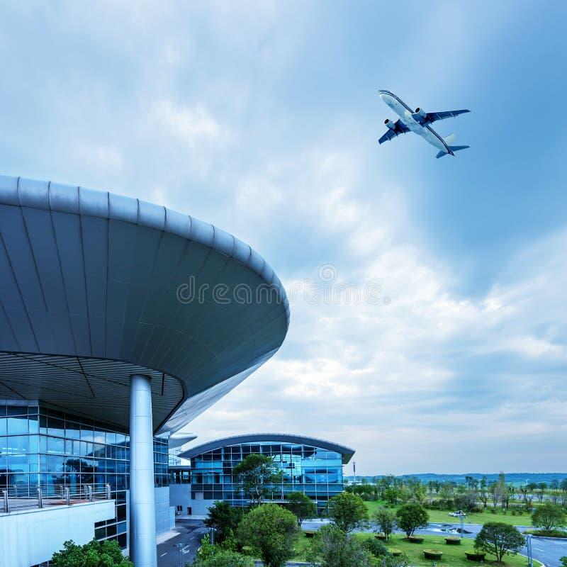 Die Flugzeuge Shanghai Pudong-Flughafens stockfotografie