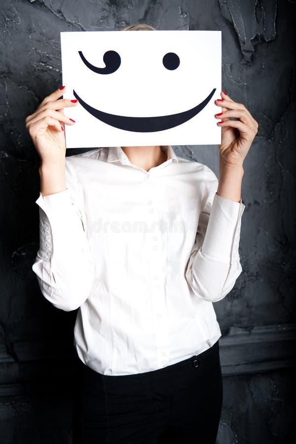Die Frau versteckt die Stimmung lizenzfreies stockbild