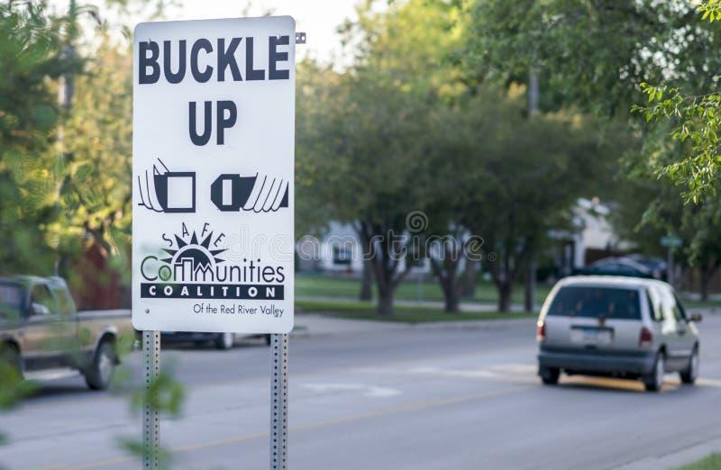 Die Gemeinschaft eingeleitete hohe Schnalle unterzeichnen herein Nachbarschaft stockfoto