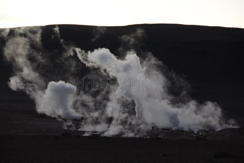 Die Geysire bei Sol de la Manana stockbilder