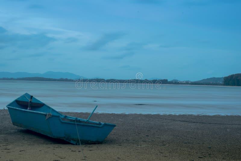 Die Glättung des Strand Meerwassers verringert den Sand stockbilder